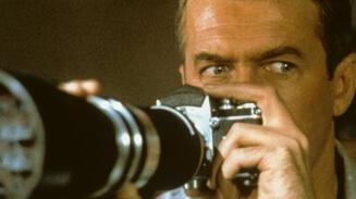Obrázok k filmu OKNO DO DVORA (1954)